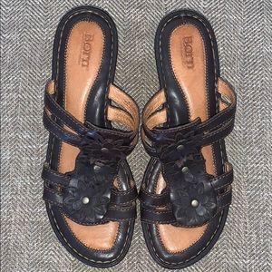 EUC Born Leather Upper Sandals Size 9.